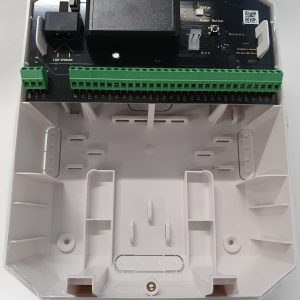 Ajax MultiTransmitter moduuli langallisten ilmaisimien ja laitteiden liittämiseksi Ajax turvajärjestelmään